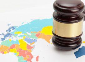 Якщо паспорти Росії даватимуть примусово, донеччани і луганчани можуть судитися в ЄСПЛ